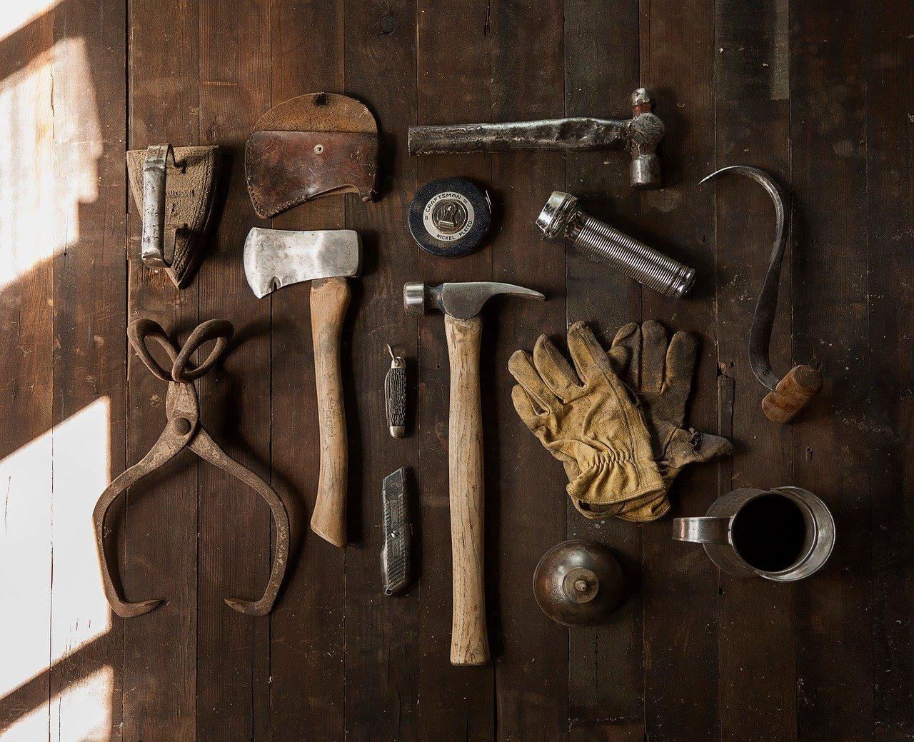 Apetoi pone a tu disposición carpinteros, electricistas y otros expertos