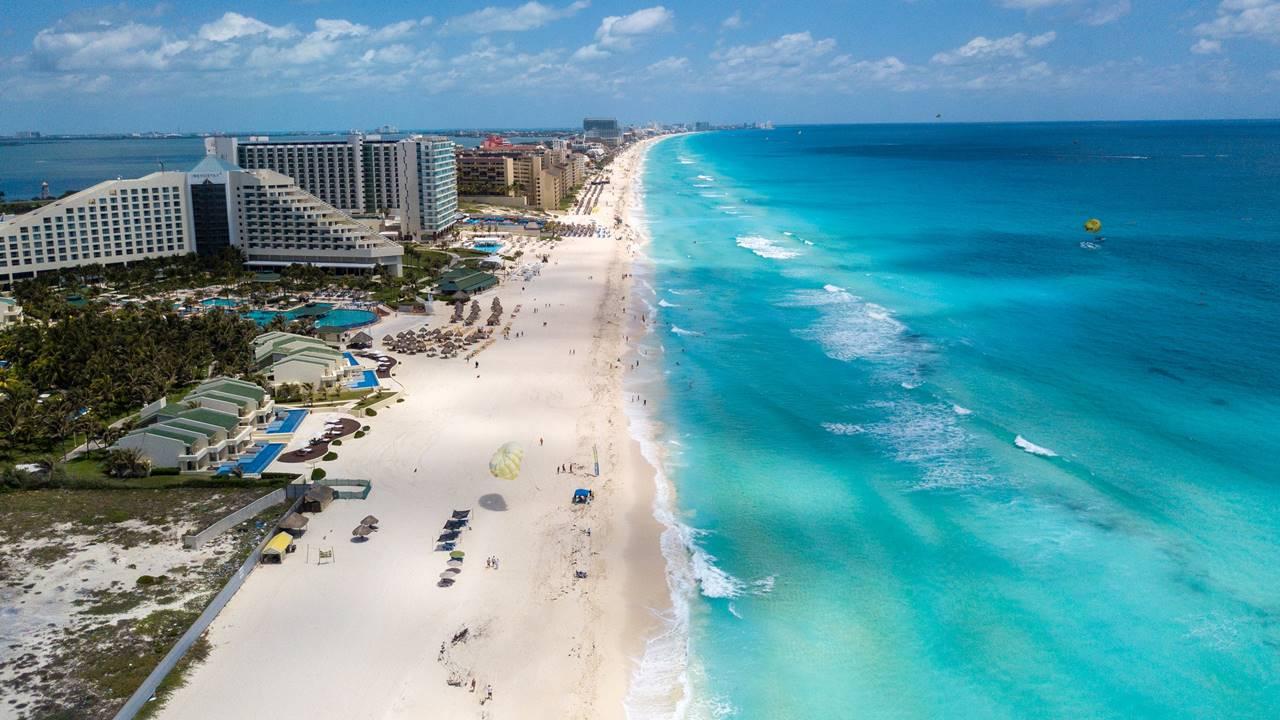 Turismo internacional en México se desploma 74.8% durante junio