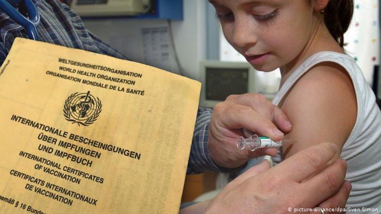 Alemanes deberán vacunar a sus hijos contra el sarampión (o pagar elevada multa)