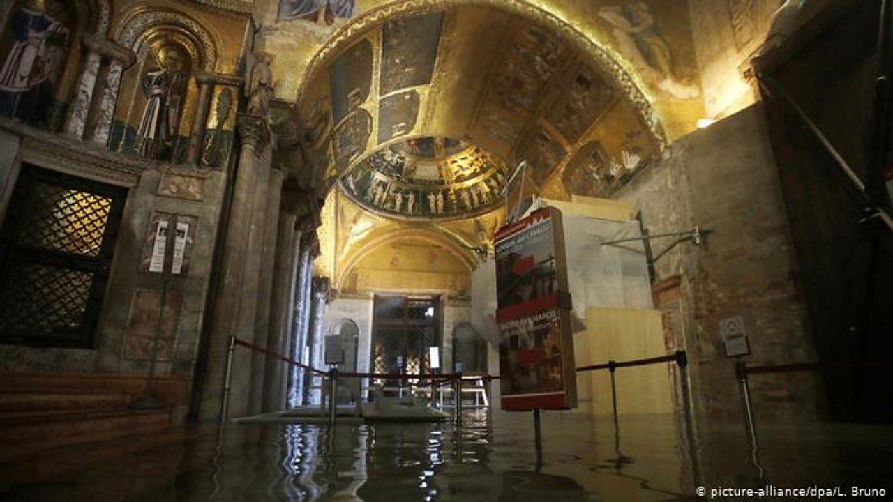 Inundación histórica de Venecia pone en riesgo a obras de arte