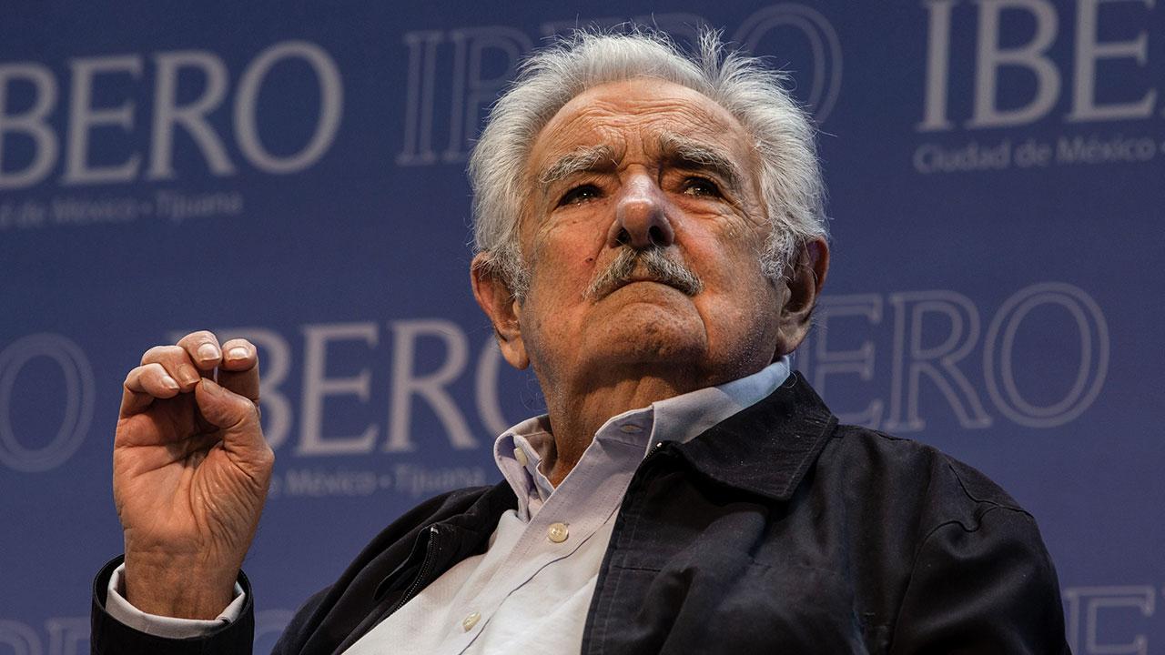 'Me ha echado la pandemia': expresidente José Mujica se retira de la política activa