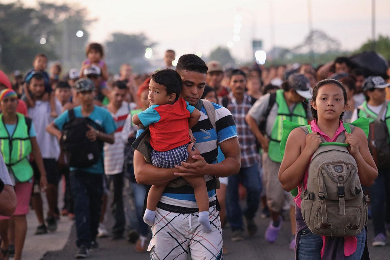 SRE exhorta a Honduras a contener las caravanas migrantes