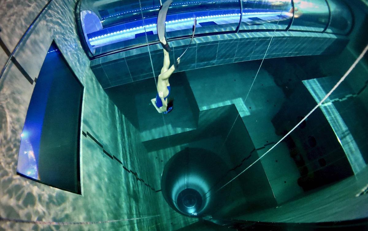 Sumérgete en la piscina más profunda del mundo en Italia