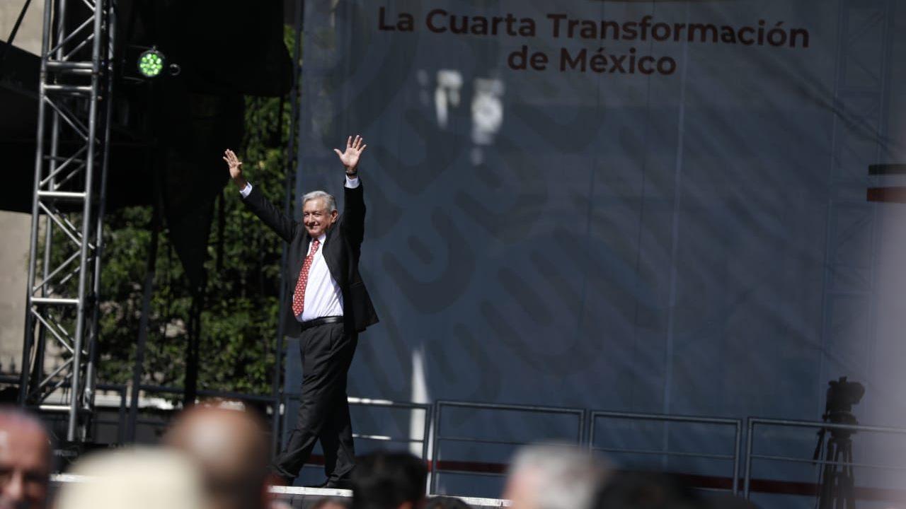 No habrá desalojos: AMLO pide a Frena dejarlo utilizar el Zócalo una vez al mes