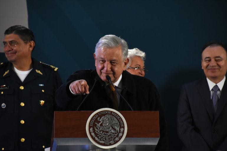 AMLO no descarta iniciativa preferente para quitar dinero a partidos