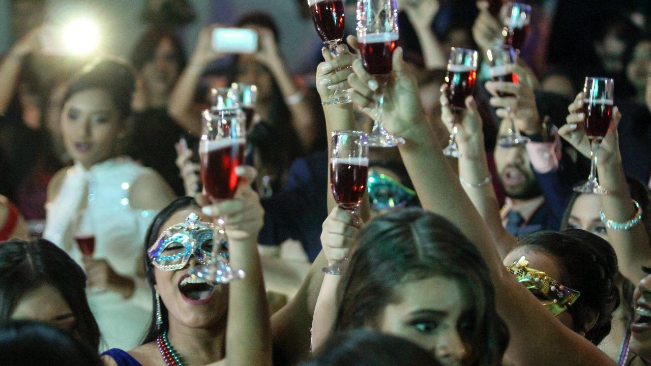 Acusan de 16 delitos a organizador de fiesta de fin de año en Francia