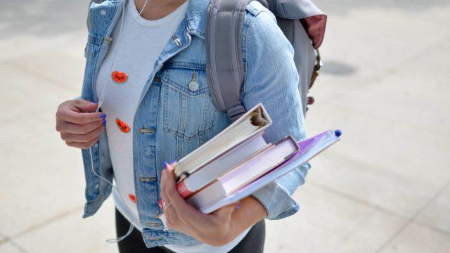 estudiar-libros-escuela