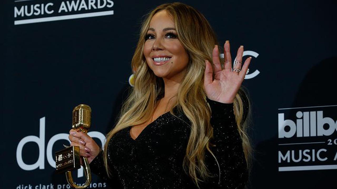 Con tema navideño, Mariah Carey alcanza el número 1 después de 25 años