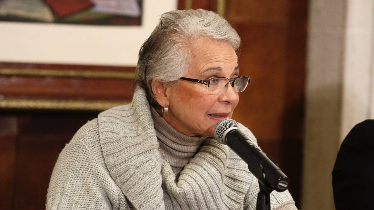 Diputados dejan 'plantada' a Sánchez Cordero; reprograman comparecencia