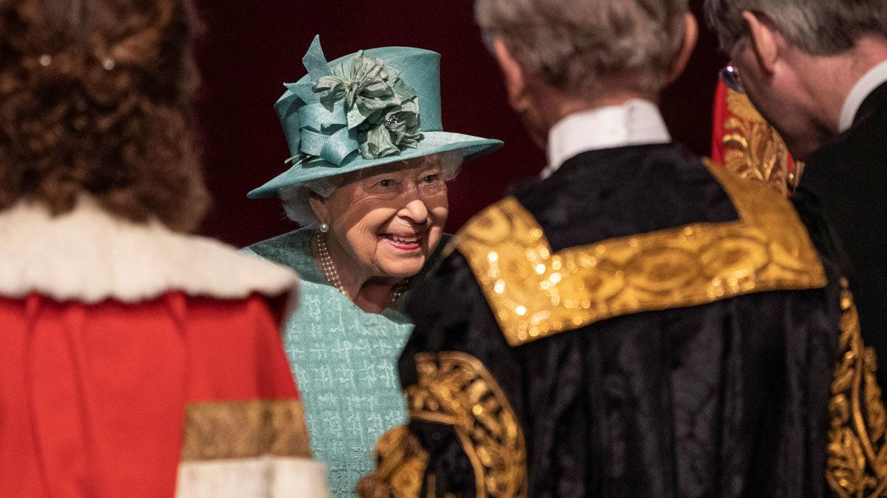 Reina Isabel expresa irritación por falta de acción ante crisis climática