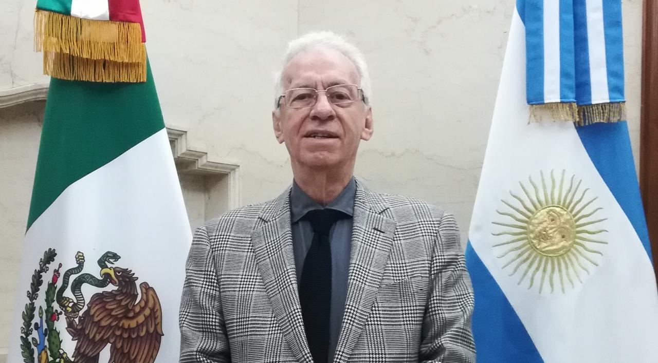 Renuncia embajador de México en Argentina 'por motivos de salud'