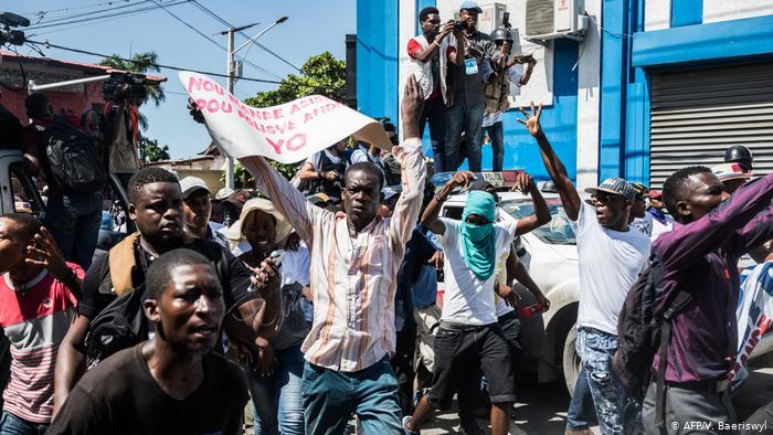 Haití conmemora 10 años de devastador terremoto con ira y amargura