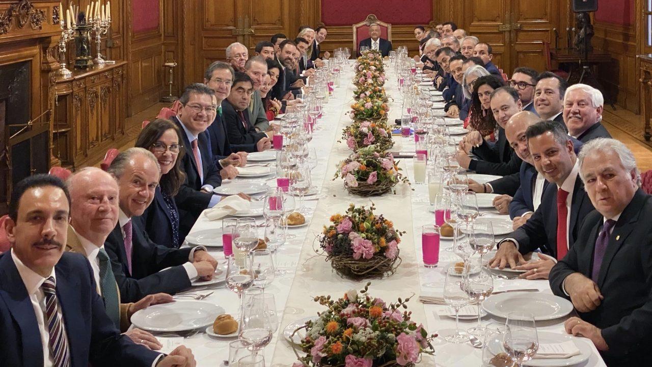 Tras comer con gobernadores, AMLO los invitará por bloques de partido