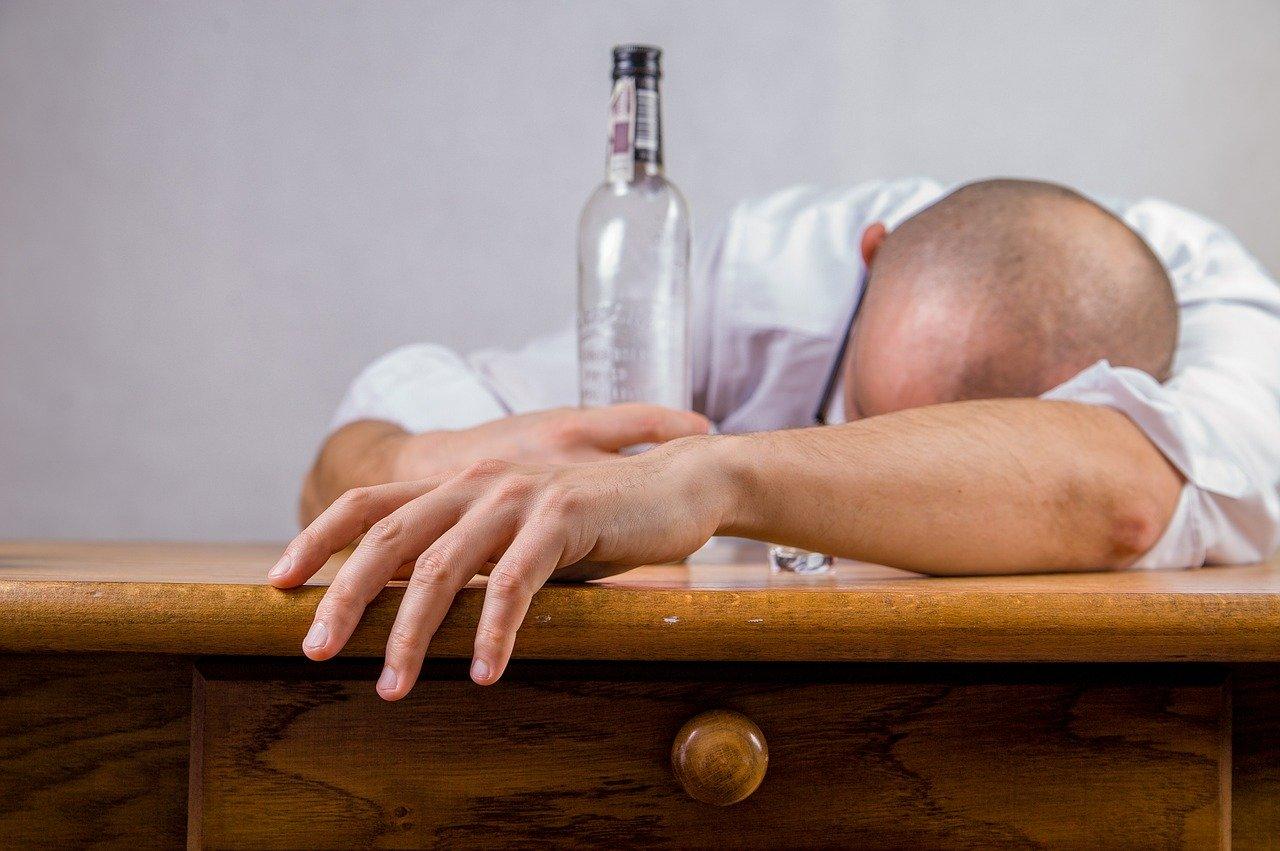 Un 'marcapasos cerebral' promete dar lucha contra el alcoholismo