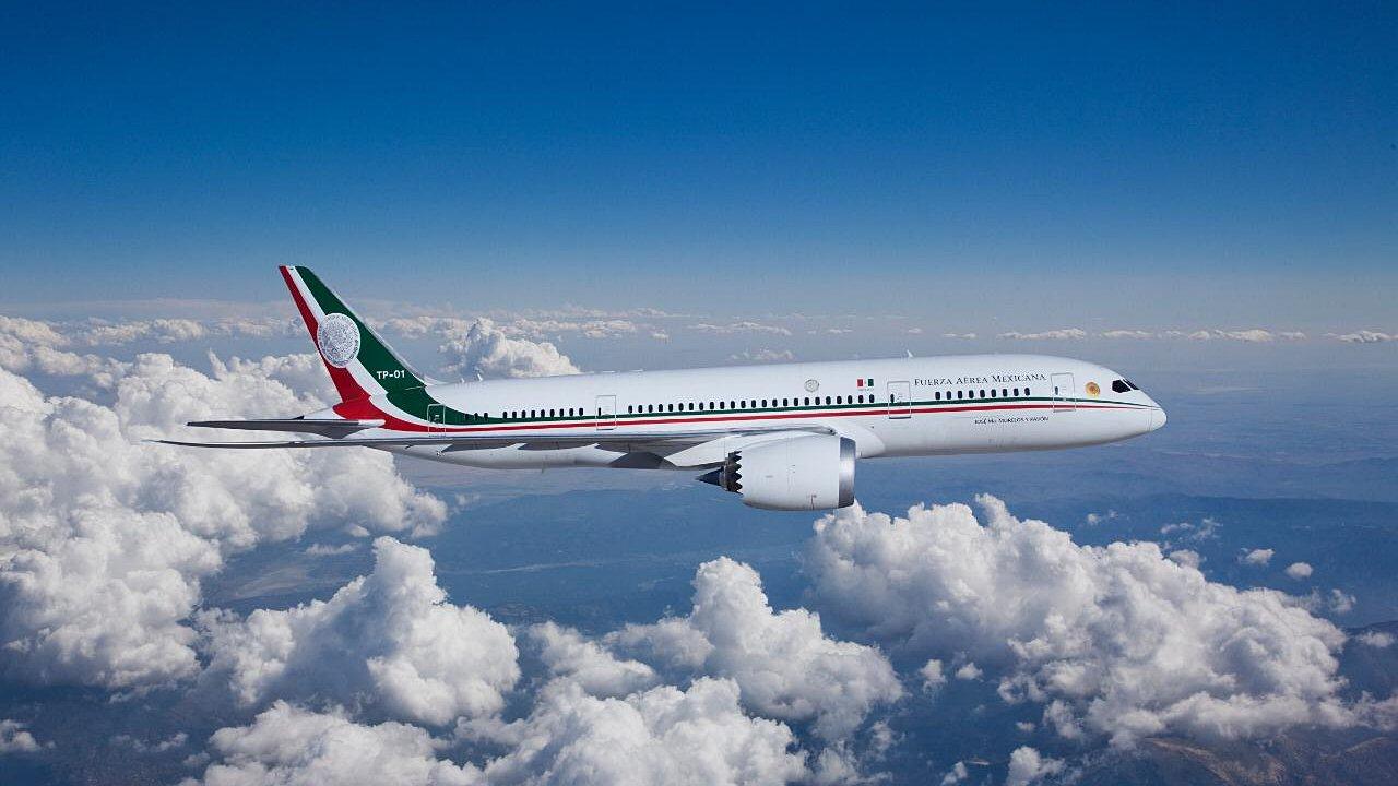 AMLO plantea a empresarios crear grupo para comprar avión presidencial