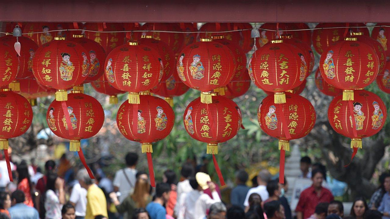 Las industrias de seguros de salud y alimentos crecen en China por el coronavirus