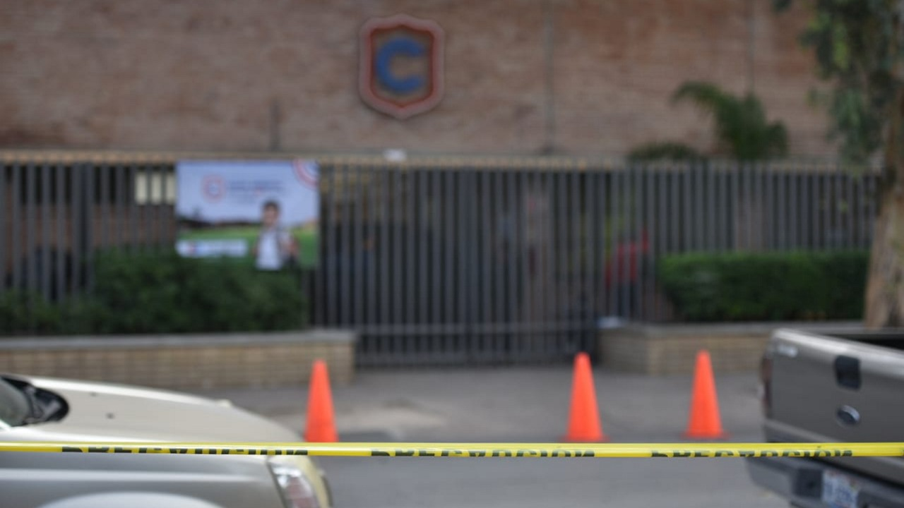 2 muertos y 6 heridos, saldo de tiroteo en primaria; gobernador 'culpa' a videojuego