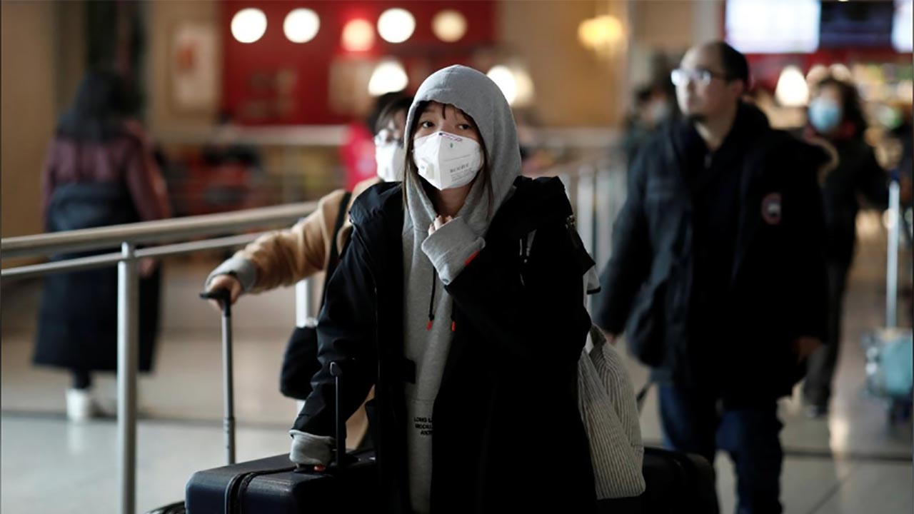 Vuelven mexicanos tras cuarentena en Francia por Coronavirus