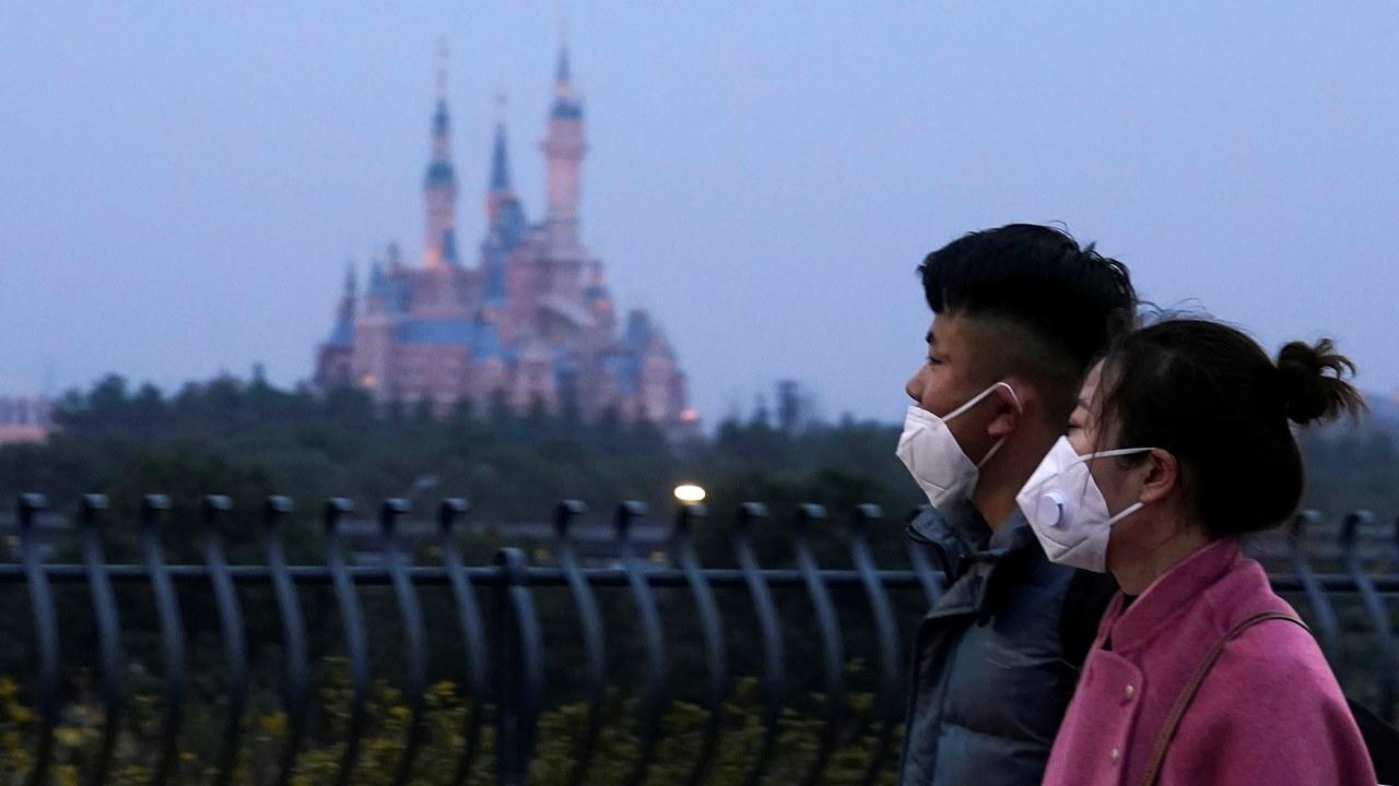 Disney eleva cifra de despidos por Covid-19 a 32,000 empleados en 2021