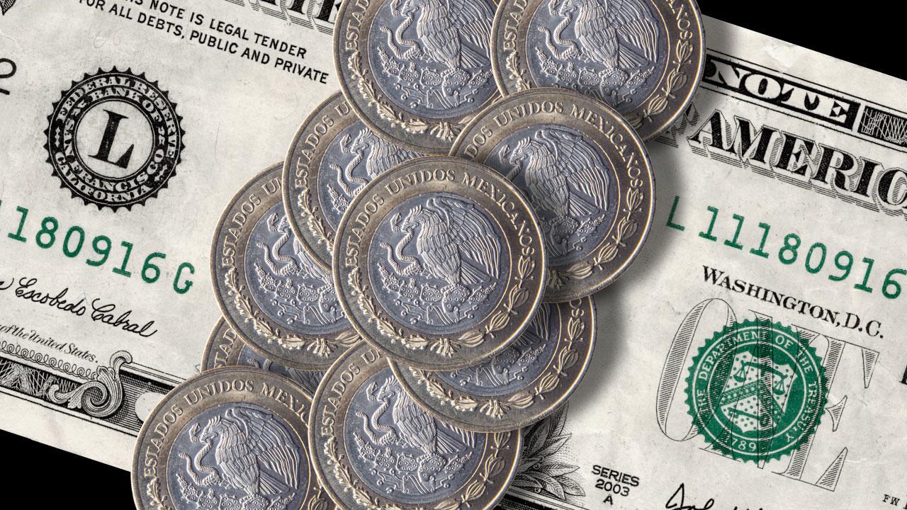 Peso inicia jornada con ganancia y se ubica en 22.54 por dólar