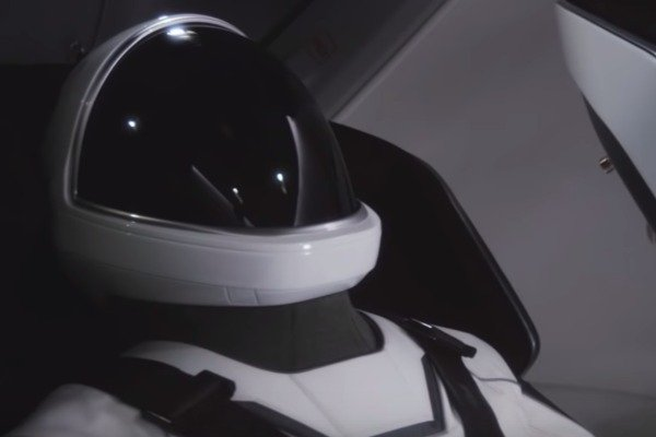 Elon Musk presume animación del primer vuelo espacial humano de SpaceX