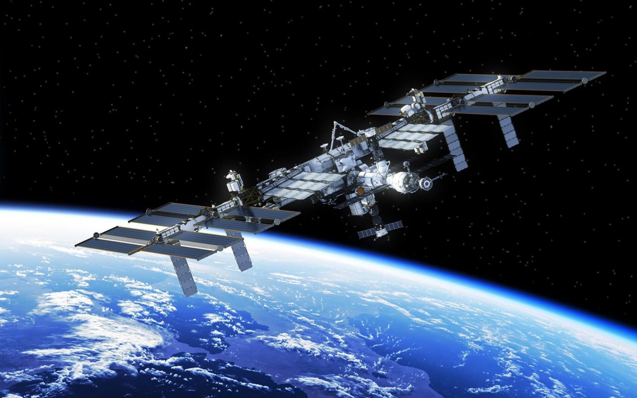 Astronauta tiene coágulo de sangre en el espacio y recibe tratamiento desde la Tierra