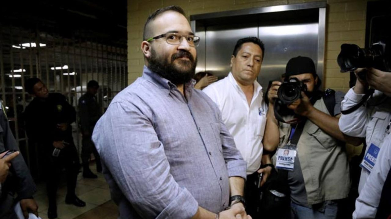 Juez niega a Javier Duarte prisión domiciliaria; seguirá en la cárcel