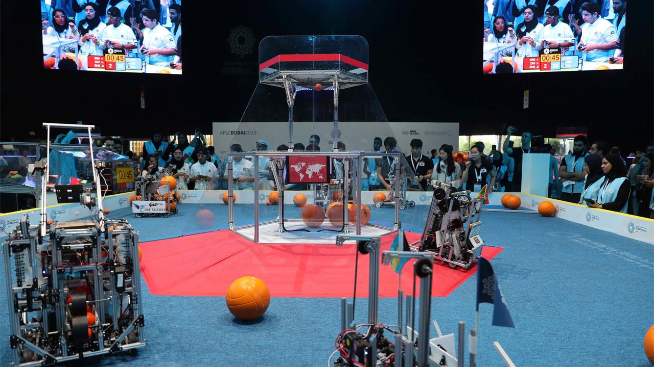 Chihuahuenses logran tercer puesto en competición mundial de robótica