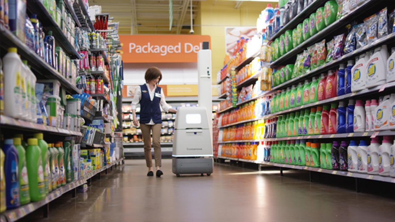 Walmart reemplaza a humanos con androides
