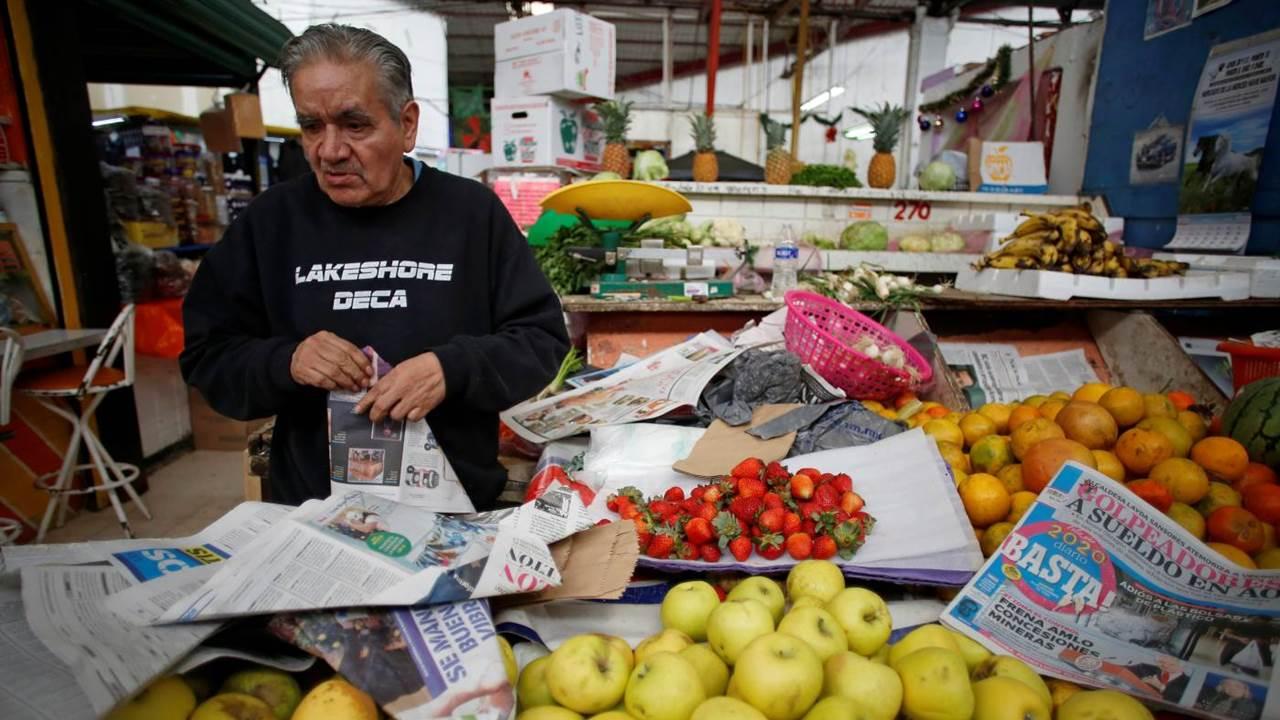Adultos mayores empacadores regresarían a supermercados a finales de mayo