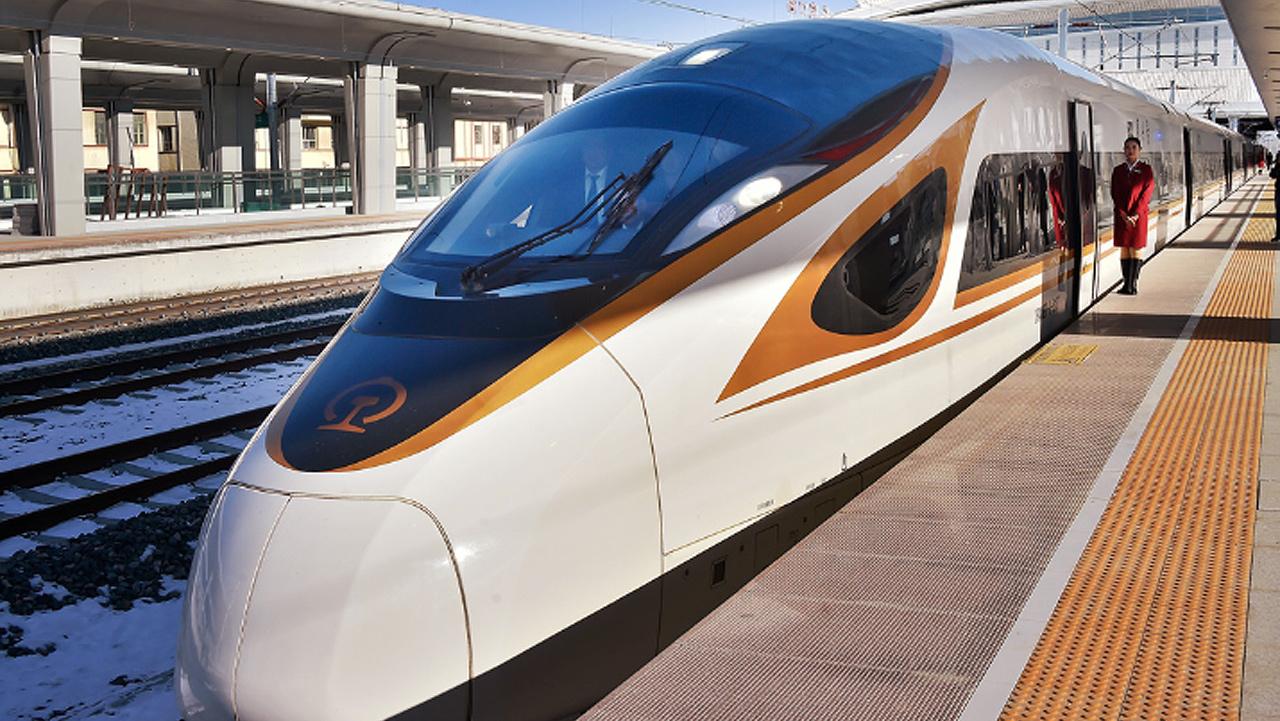 China estrena el primer tren bala sin conductor