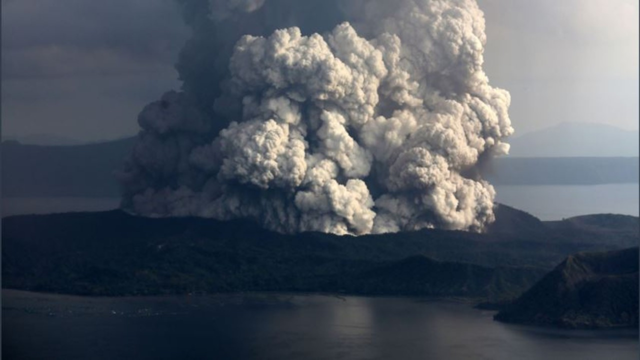 Filipinas realiza masiva evacuación ante mayor actividad del volcán Taal