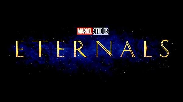 Parece que el logotipo ahora tiene un montón de símbolos que se asemejan a los Celestiales, criaturas antiguas que provocaron la creación de los Eternos