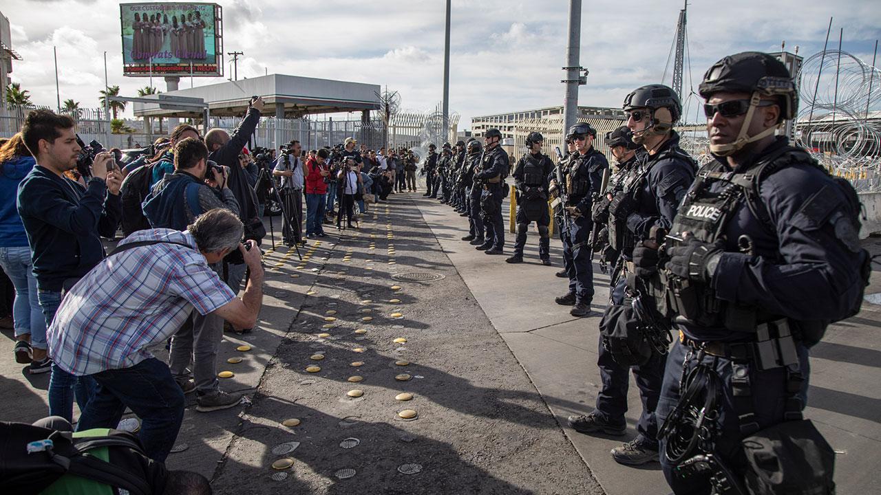 Migrante deportado de EU contagia de coronavirus a 14 en albergue de México