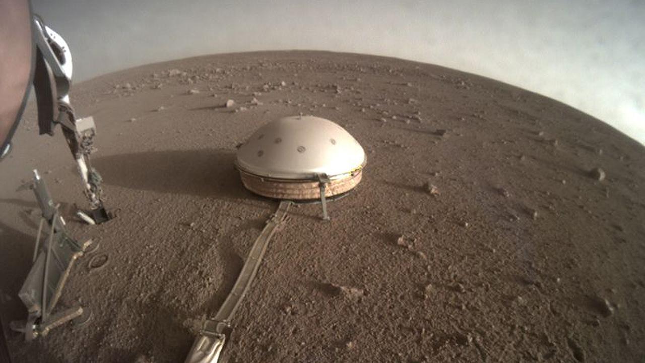 Robot InSight de la NASA confirma actividad sísmica en Marte