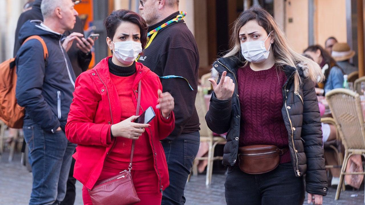 Francia e Italia cierran escuelas e iglesias contra el coronavirus