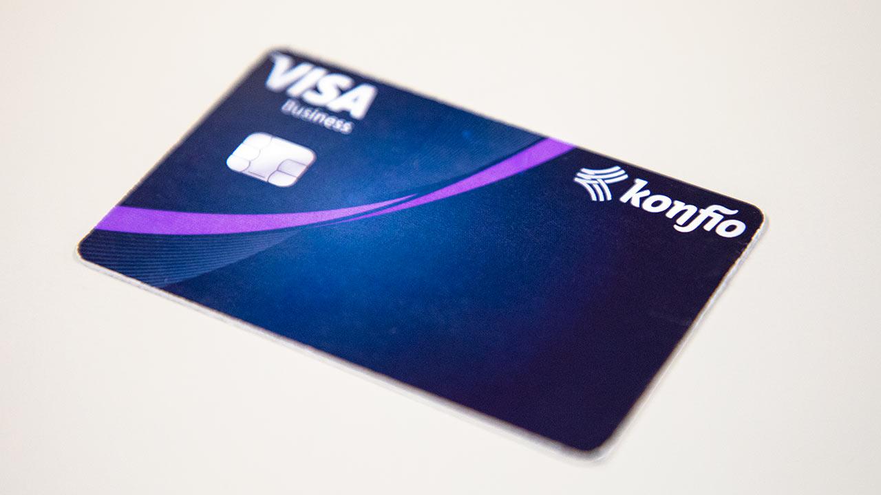 La startup Konfío lanza su primera tarjeta de crédito para pymes