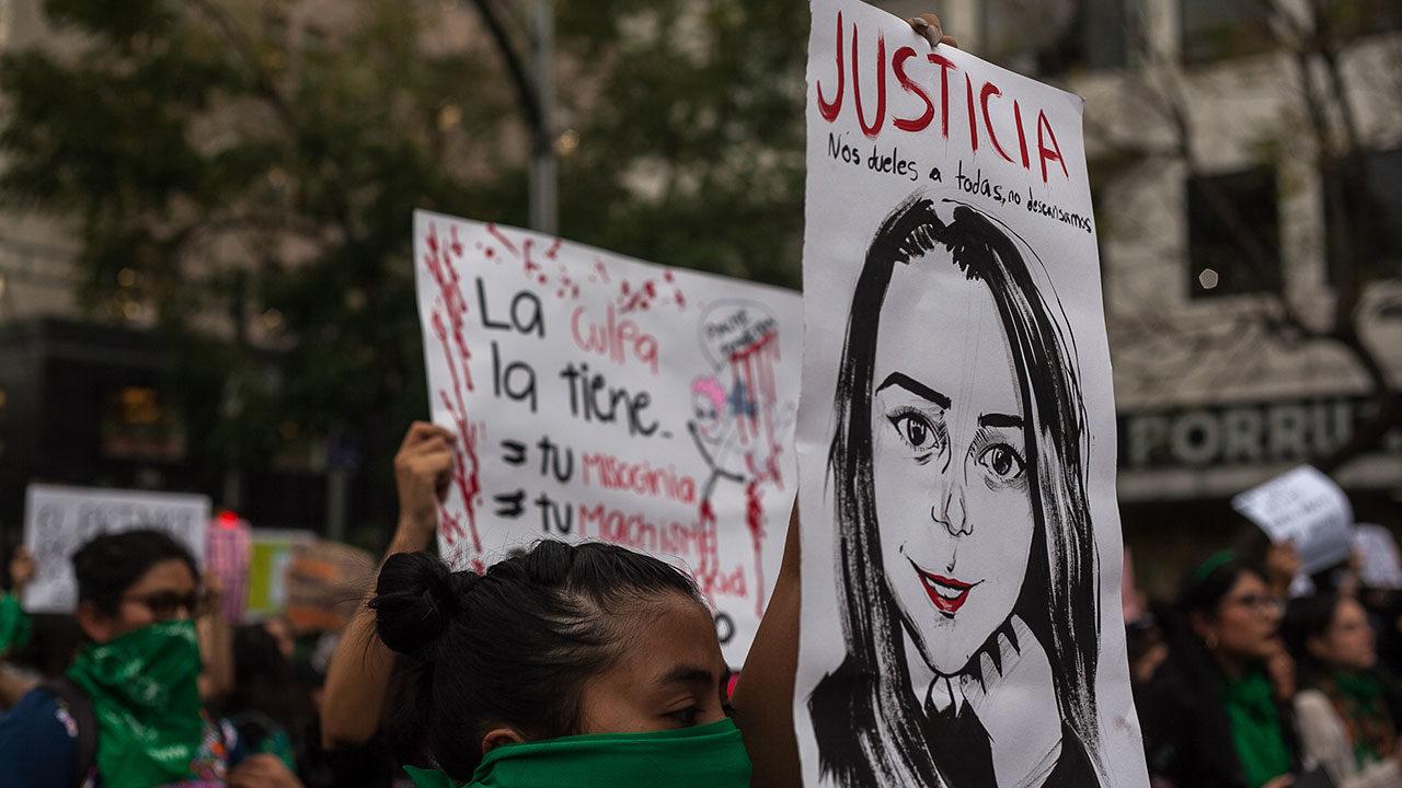 Feminicidios bajan en CDMX; sube acoso y violencia familiar