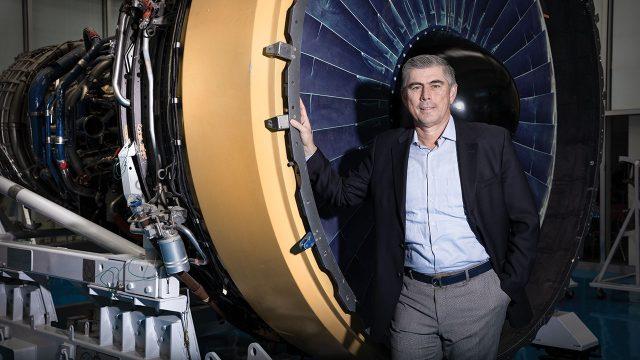 Vladimiro de la Mora CEO de GE México