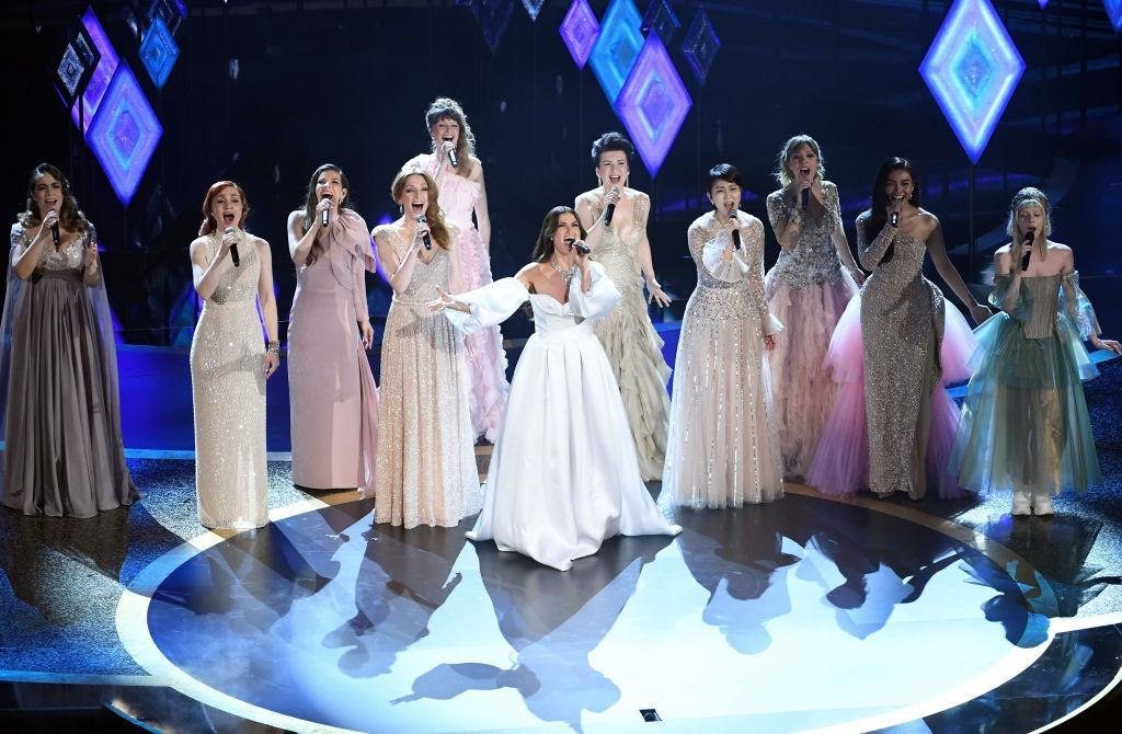 Por primera vez, reuniendo a las Elsas del mundo