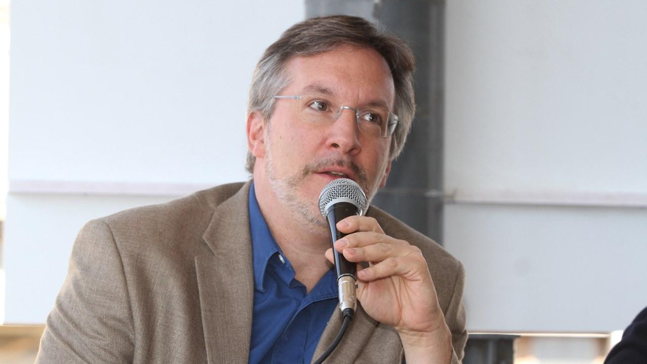 TEPJF ratifica a John Ackerman para evaluar candidatos al INE