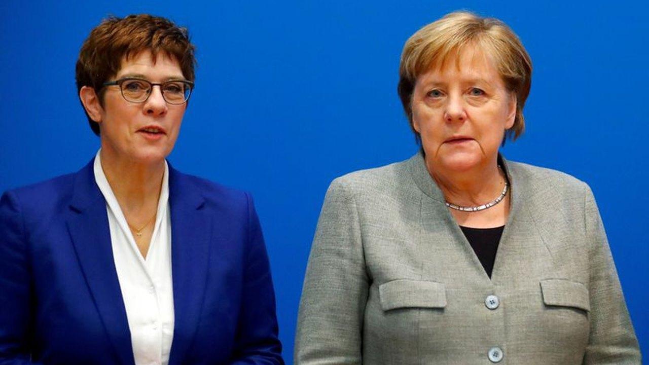 Angela Merkel se queda sin sucesora en plena crisis de su partido