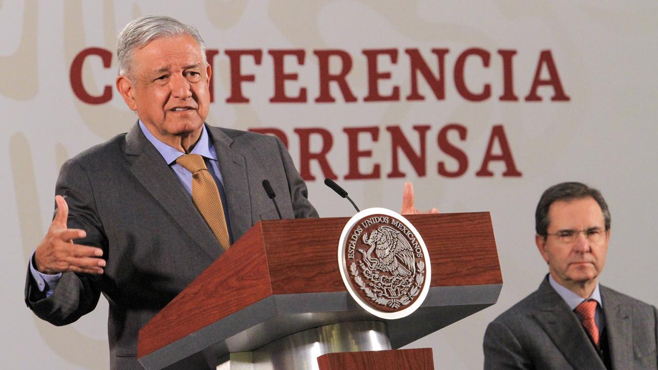 Gobierno no intervendrá en elección de consejeros del INE: AMLO
