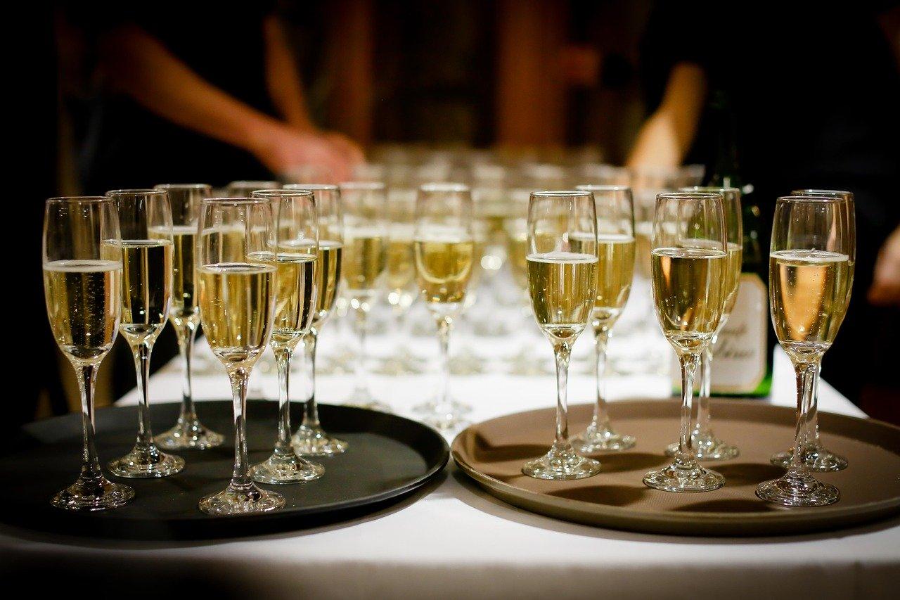 AMLO y su cena con 100 empresarios: Pase de charola 4.0