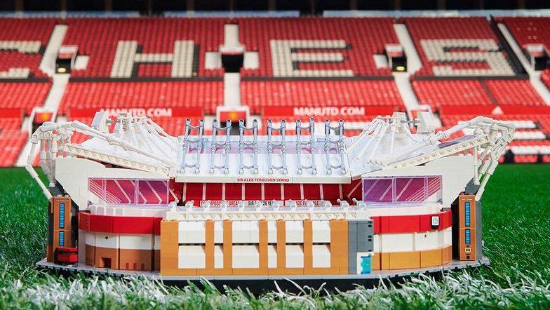 LEGO rinde tributo a la casa del Manchester United