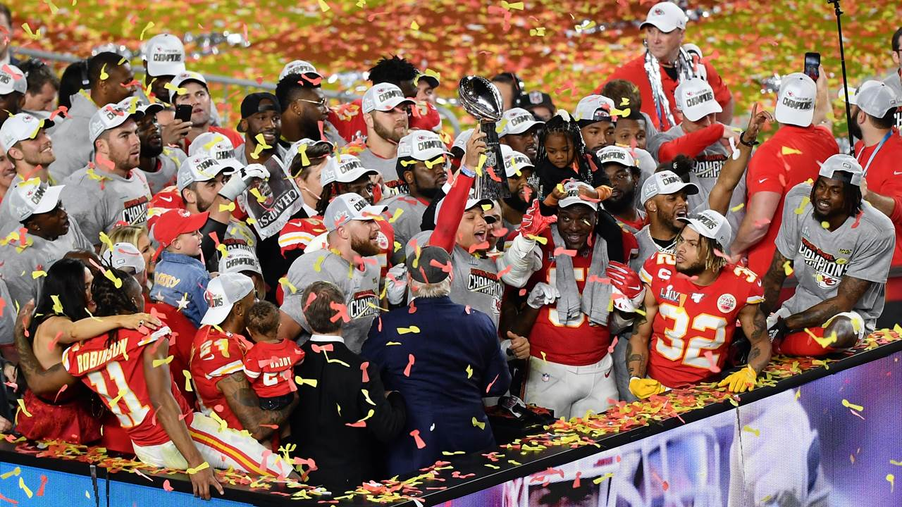 Kansas City gana el Super Bowl tras 50 años de sequía; vence a San Francisco 31-20