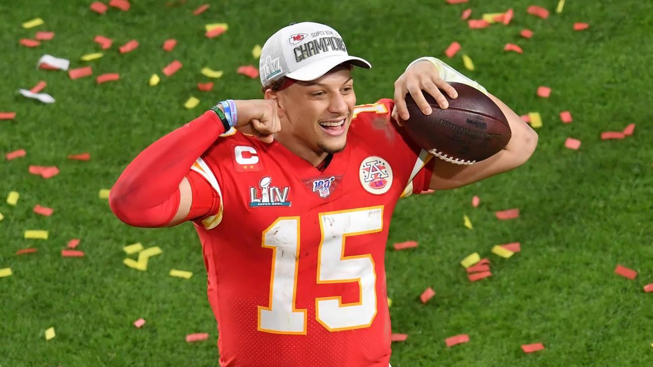 Mahomes, salario bajo, pero campeón de la NFL y el mejor del Super Bowl