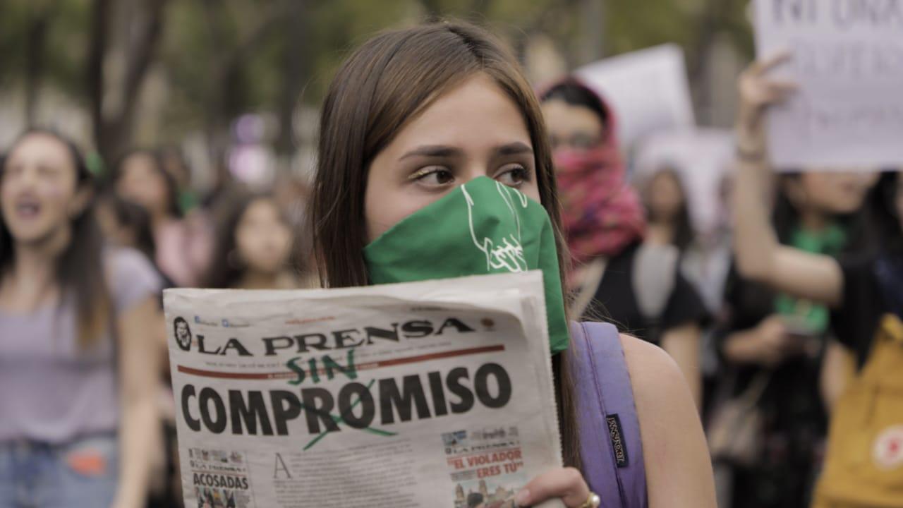 Feministas acuerdan mesa de diálogo con medios para modificar titulares e imágenes de violencia