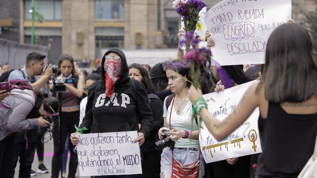 Maestros en Chihuahua se unen a paro nacional de mujeres