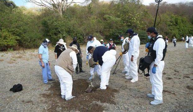 Fosa clandestina cadáveres Michoacán